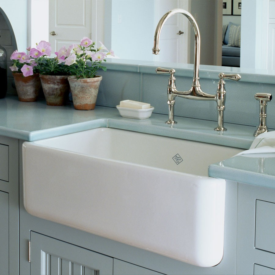 1-big-farmhouse-sink-in-American-style-deep-wide-white-blue-kitchen-cabinets-retro-style-faucet