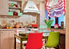 1-country-rural-rustic-style-kitchen-interior-design-with-folk-motifs-total-wood-cabinets-worktop-tempered-glass-backsplash-digitally-printed-glass-dining-table-red-green-accents-roman-blinds-laminate-white-hood