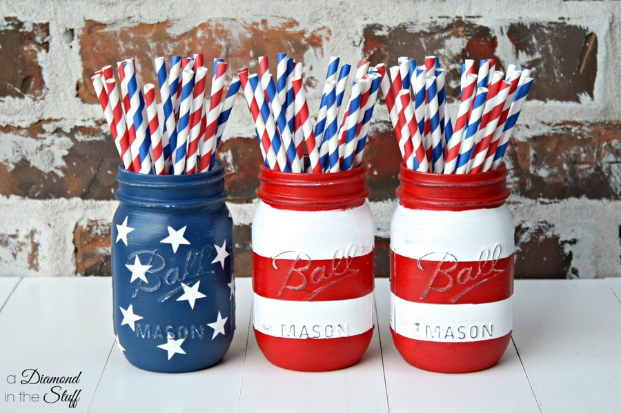 10-patriotic-American-home-decor-Mason-Jar-Flag-painted-straws-celebration-stuff