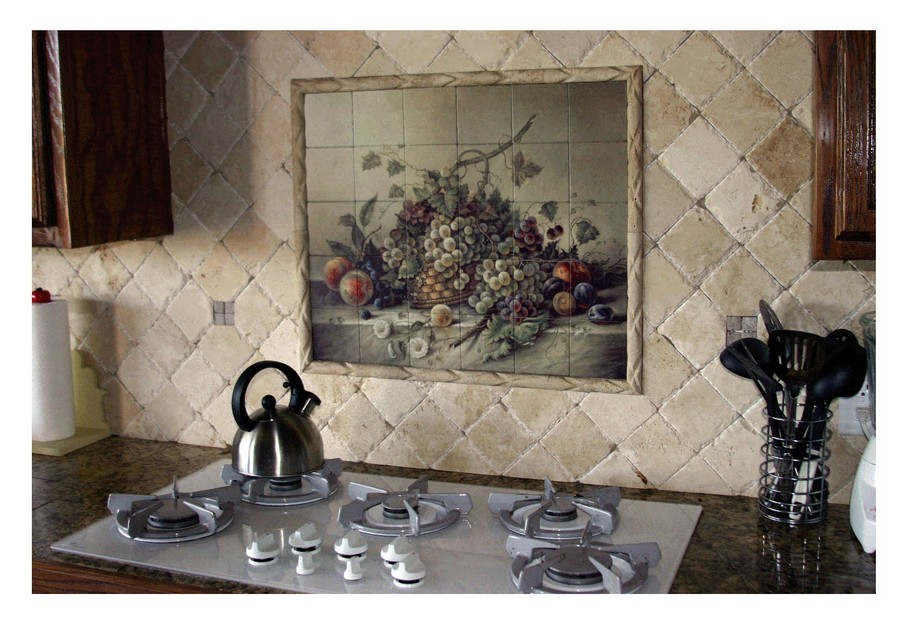 2-original-creative-kitchen-backsplash-ideas-in-interior-design-beige-wall-tiles-diamon-shaped-wall-mural-picture-above-the-cooker-Italian-mediterranean-style