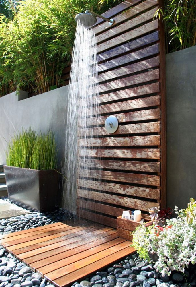 2-outdoor-garden-summer-shower-wooden-pebbles-rocks-flowers-beautifu-ideas