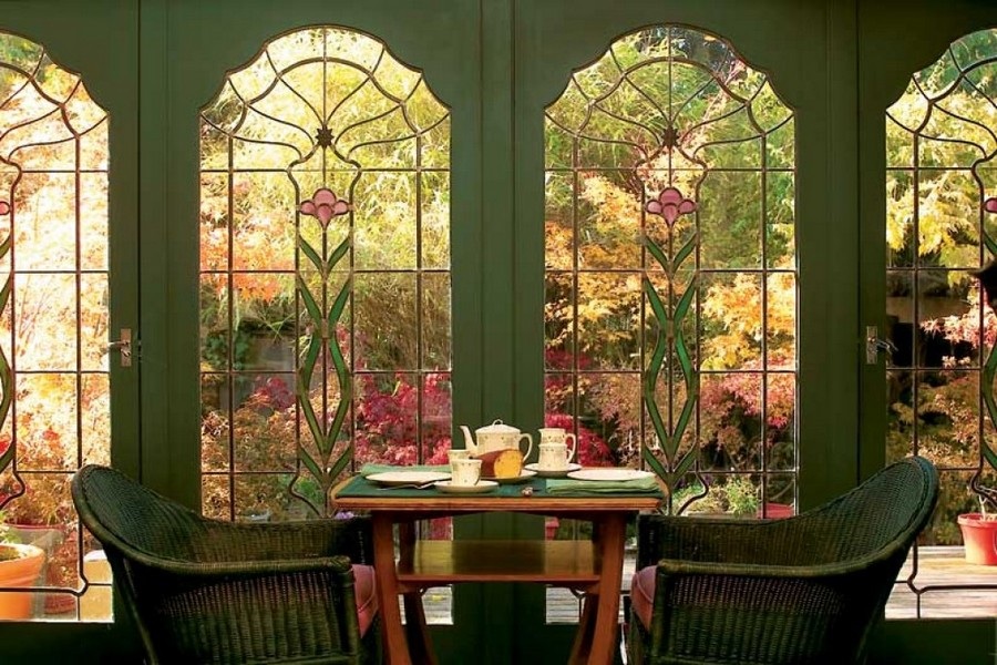 3-1-5-beautiful-amazing-stained-glass-in-interior-design-window-dining-room