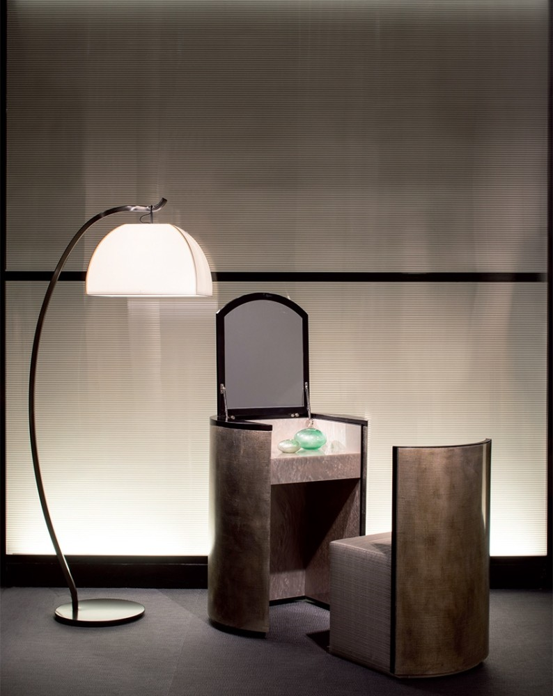 4-1-Giorgio-Giorgio-Armani-Casa-furniture-design-luxurious-interior-natural-stone-dressing-table-minimalis-style-floor-lamp