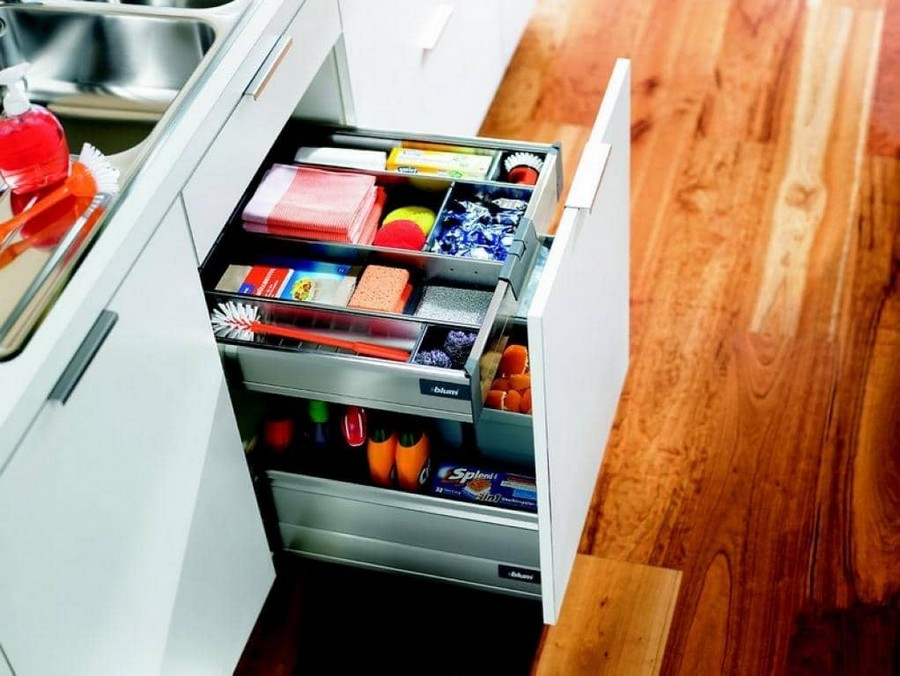 7-kitchen-storage-under-the-sink-cabinets-domestic-chemicals-sponges-detergents