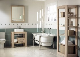 0-clean-neat-tidy-bathroom-interior-design-gray-and-white-wall-tiles-light-floor-bathtub-WC-light-wood-shelving-unit-mirror-frame-wooden-vanity-unit-rectangular-sink-wash-basin-window