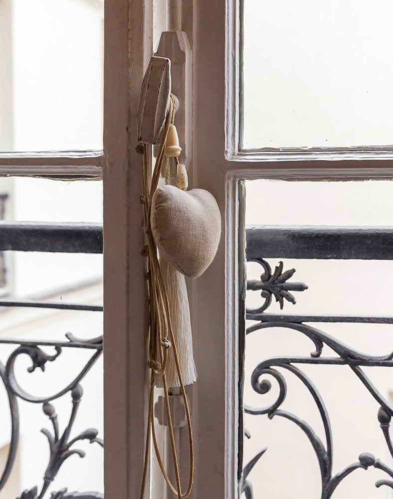 1-3-home-decor-heart-textile-wrought-railings