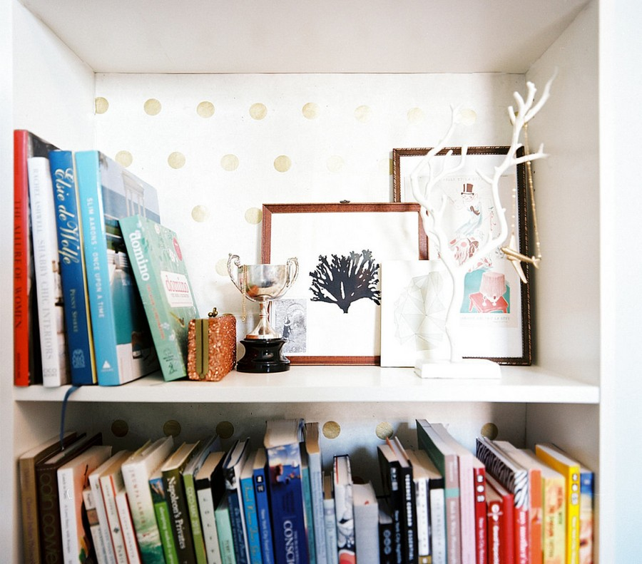 1-5-shelves-decoration-of-bookshelves-decor-ideas-white-wallpaper-background