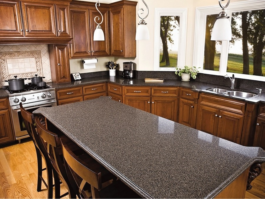 2-traditional-style-natural-wood-kitchen-set-cabinets-natural-stone-black-quartz-worktop-countertop-dark-wood-window
