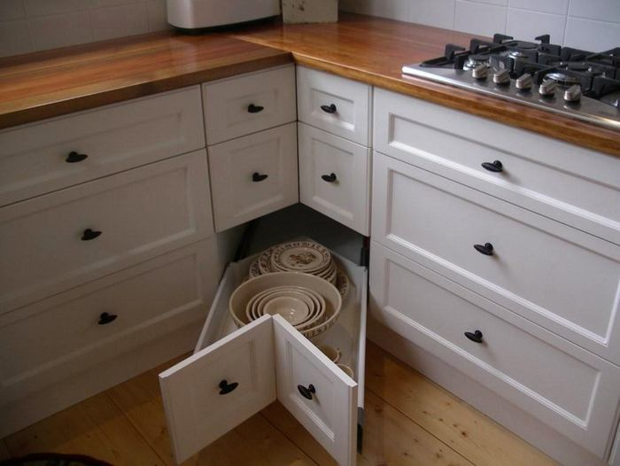 23-small-kitchen-storage-ideas-design-hacks-rational-space-bottom-corner-drawer
