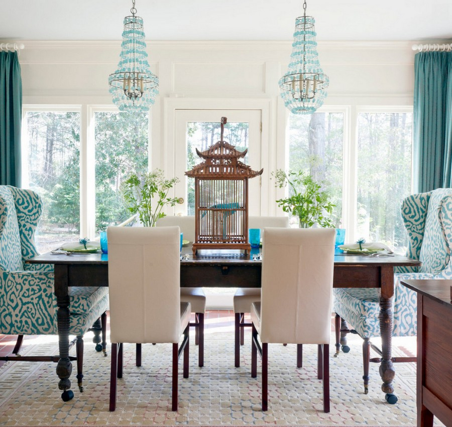 5-1-mismatched-chairs-in-kitchen-dining-room-interior-design-blue-pale-pink