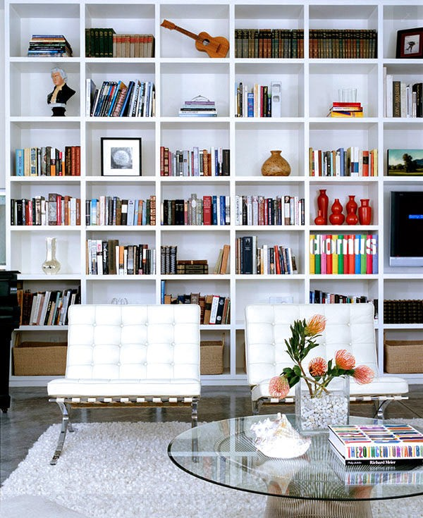 5-3-shelves-decoration-of-bookshelves-decor-ideas-accessories-figurines-posters-souvenirs