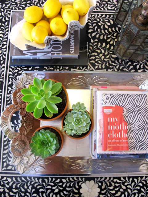 5-ideal-perfect-coffee-table-decor-composition-flowers-vase-books-silver-tray-photo-album-succulents-lemons-bowl-in-living-room-interior-design