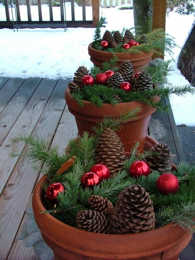 10-pinecones-pine-fir-spruce-cones-home-decor-Christmas-decoration-ideas-eco-style-outdoor-terrace-flower-pots-red-balls-branches