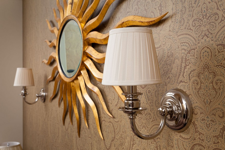 2-1-classical-elegant-English-style-wall-lamps-sconces-in-interior-design-sun-shaped-golden-mirror-frame-ornamental-wallpaper