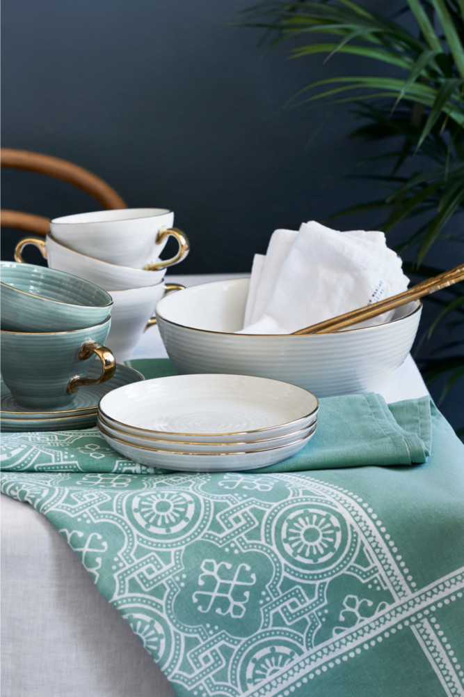 6-2-new-Christmas-2017-collection-of-home-decor-interior-design-by-H&M-Home-light-green-table-setting-napkins-tea-cups-tableware-with-golden-rims