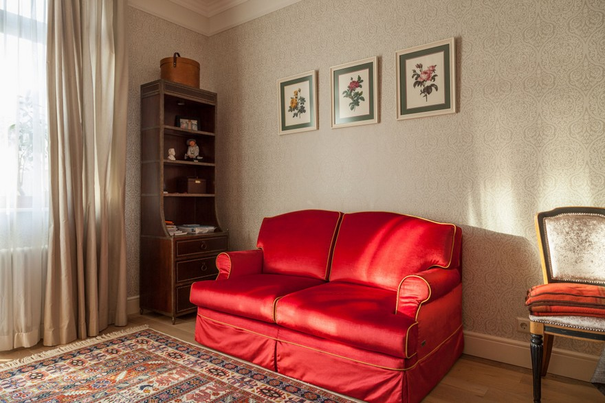 6-3-classical-elegant-English-style-interior-design-bedroom-study-red-two-seat-sofa-carpet-chequered-wallpaper-white-beige-oak-floor-chair-sideboard-curtains