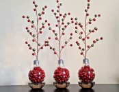 Cheerful Christmas DIY Ideas of Old Light Bulb Recycling