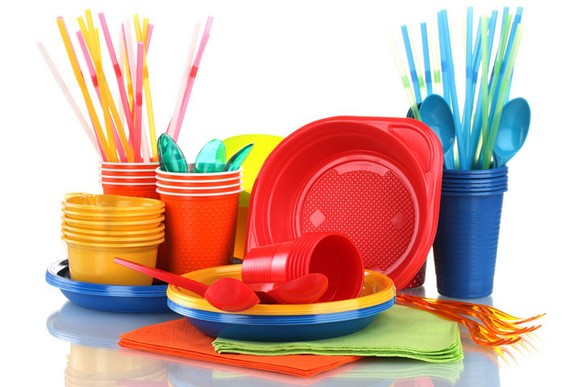 8-set-of-multicolor-plastic-tableware-dishes-cups-spoons-straws-forks-red-yellow-blue-orange-green