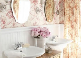0-vintage-retro-style-bathroom-interior-floral-wallpaper-curtains-free-standing-sinks-beige-chest-of-drawers-mirrors-wall-lamps-sconces-sweet-beautiful-pink-white-flowers-vase