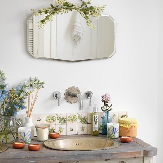 6-vintage-retro-style-bathroom-interior-aged-wooden-countertop-wash-basin-metal-sink-vanity-unit-wall-mounted-faucet-mirror-flowers-floral-tiles-vases-decor