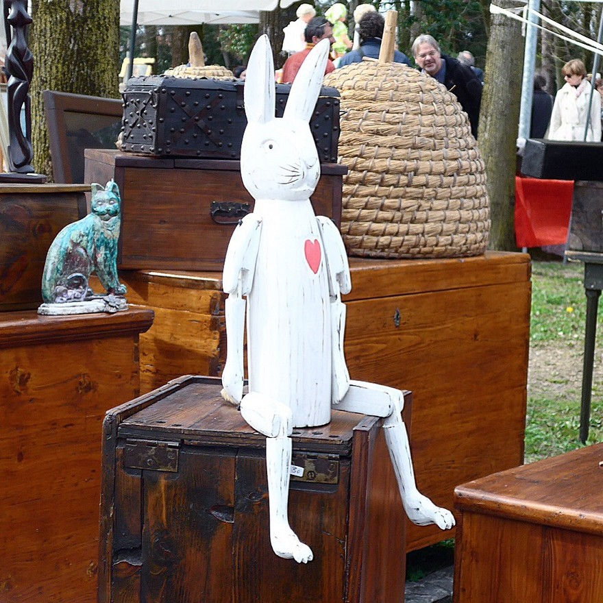 11-European-Italian-flea-market-photo-items-sale-antiquities-white-wooden-rabbit