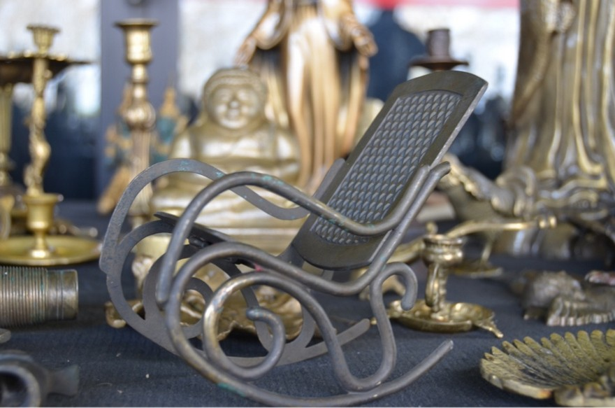4-2-European-Italian-flea-market-photo-items-sale-antiquities-small-metal-rocking-chair-souvenir