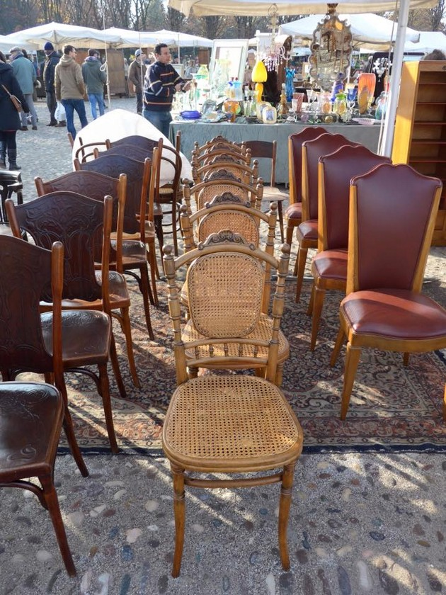5-2-European-Italian-flea-market-photo-items-sale-antiquities-antique-dining-chairs