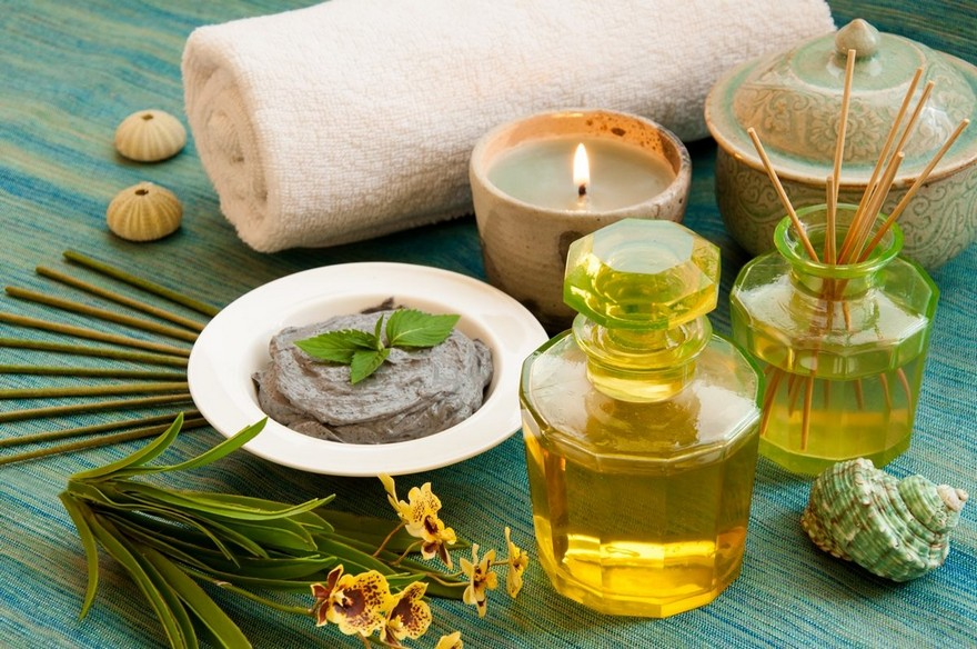 2-essential-oils-home-aromas-fragrances-natural-air-freshener-candles-vaporizers