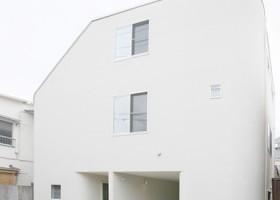 1-slide-house-in-nakameguro