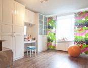 One-Room Apartment of a Young Girl with a Delicate Bathroom, a Spring-Inspired Ktchen, Numerous Motl...