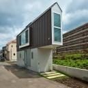 1-narrow-house-in-tokyo