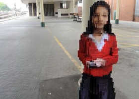 1-pixelated-sculpture-at-bristol-temple-meads-train-station