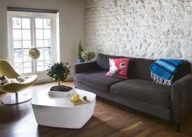 2-coffee-tables-with-plants