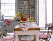 The kitchen in the style of Shabby - Chic