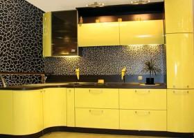 9-yellow kitchen