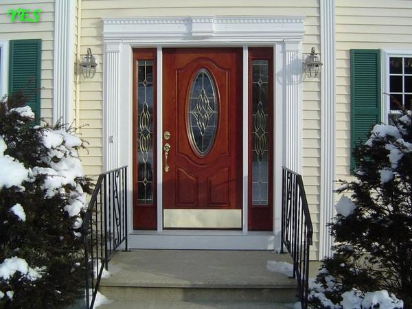 0-beautiful-classical-entrance-door-in-winter (1)