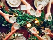 Christmas Table Setting Trend 2016-2017: Greenery