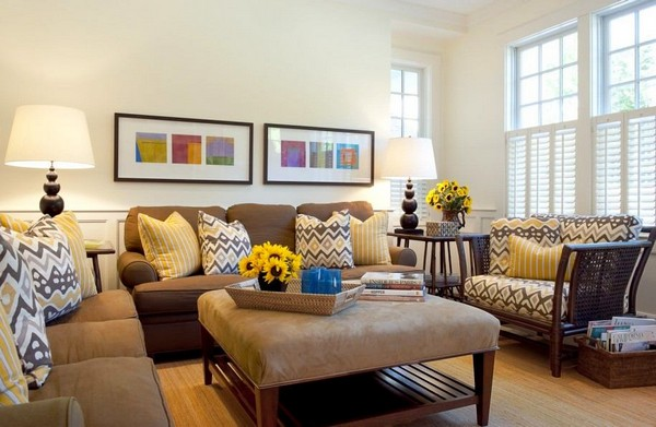 0-decorative-couch-pillows-in-living-room-interior-design