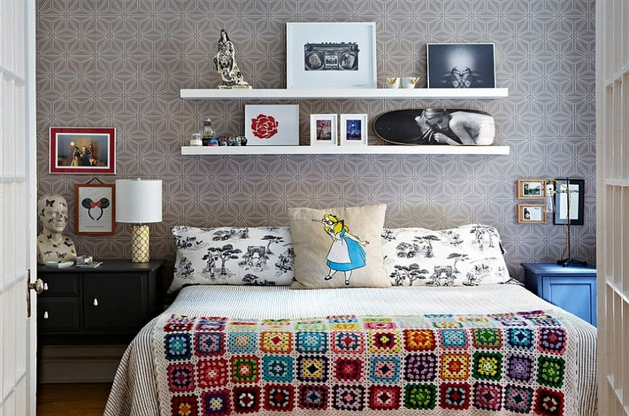 0-mismatched-different-nighstands-bedside-tables-ecletectic