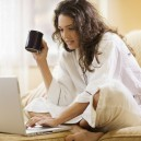 00-home-office-design-woman-laptop
