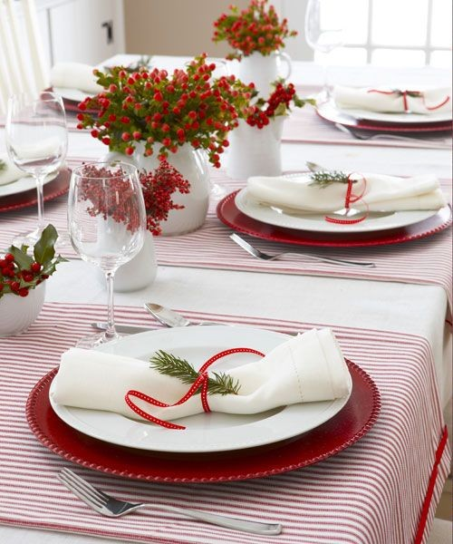 1-7-christmas-table-setting-decoration-composition-red-berries