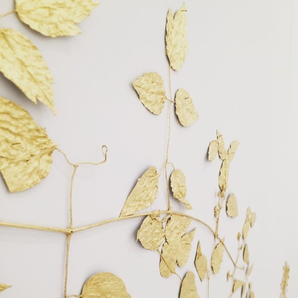10-golden-elements-gold-in-interior-design-provence-style-wall-art-decor