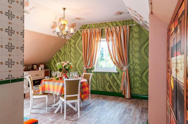 10-orange-white-green-color-floral-pattern-russian-provence-attic-floor-interior-design-tiled-chimney-latex-digital-printing-ceiling-dining-set-hand-made-designer-chandelier-3D-wallpaper-knitwear-effect