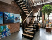 Huge Creative Apartment with Art Gallery & Roof Exit