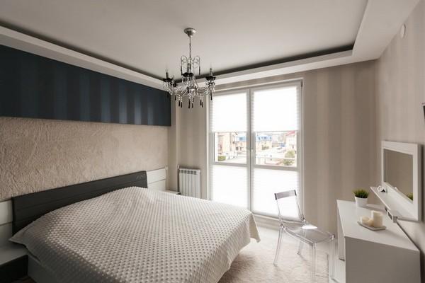 11-minimalistic-Scandinavian-style-apartment-white-walls-white-floor-bedroom-carpeting-on-walls
