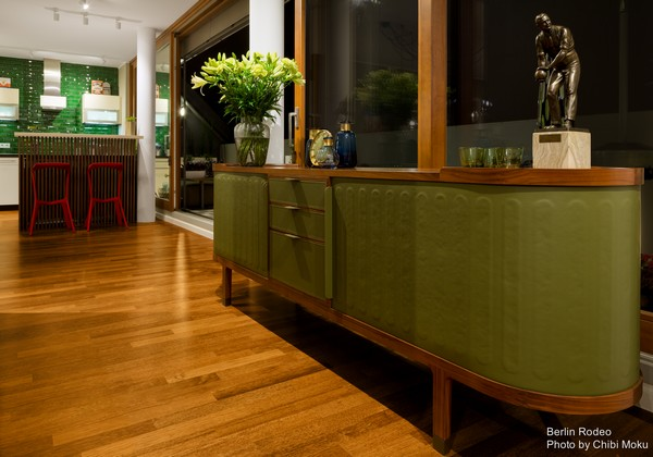 12-2-bachelor-pad-interior-modern-style-green-kitchen-green-chest-of-drawers