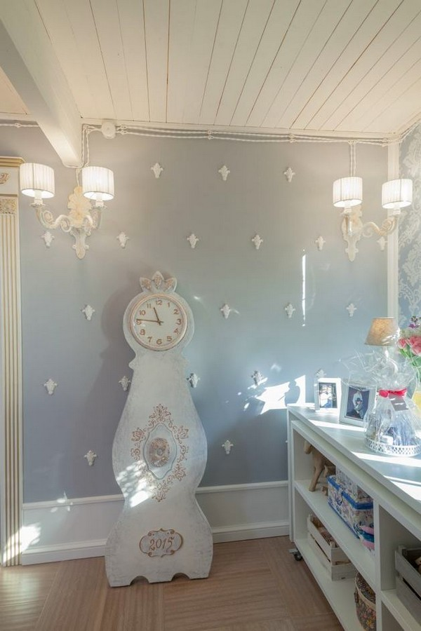 12-2-provence-gustavian-style-work-room-workshop-grayish-blue-walls-white-wooden-ceiling-wall-decor-retro-wall-lamps-mora-clock-replica