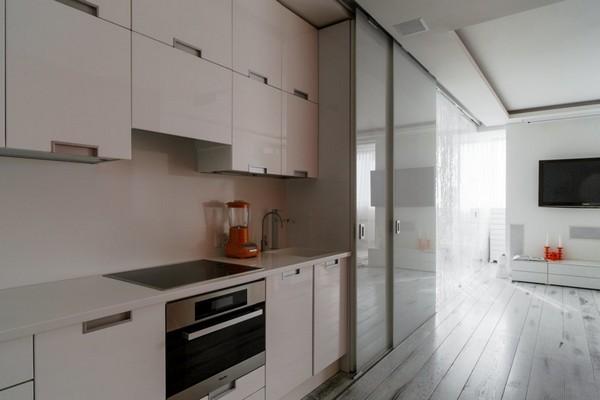 12-white-open-concept-kitchen-living-room-white-vintage-aged-oak-floor-deloria-kitchen-set