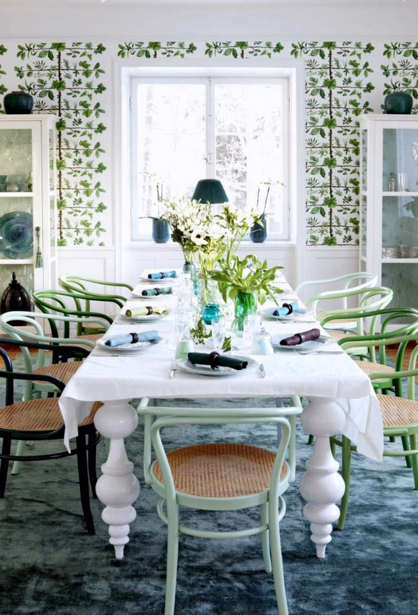 13-bentwood-chair-in-provence-modern-interior-dining-room-furniture-set-mismatched-chairs-floral-wallpaper
