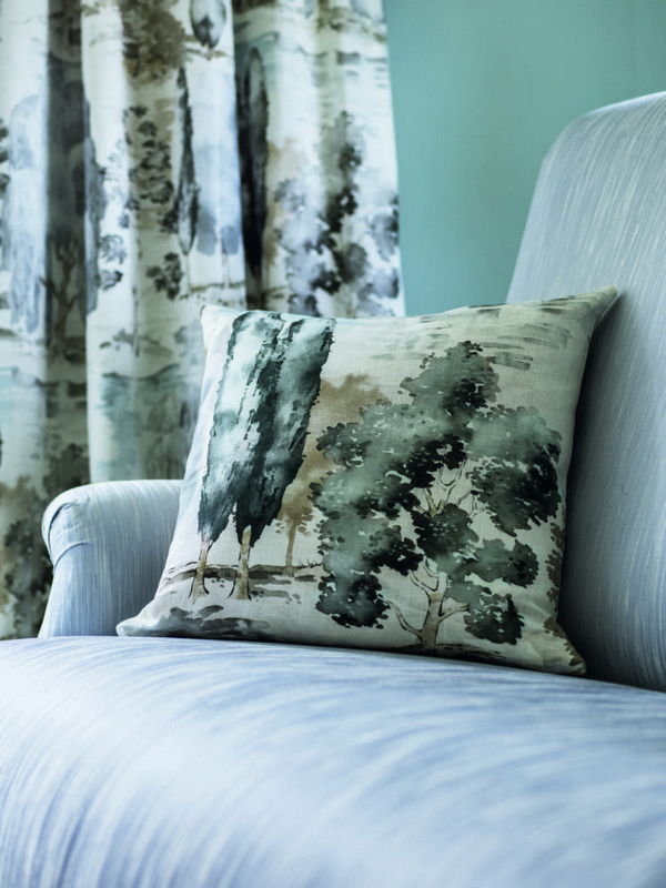 13-kale-color-sanderson-waterperry-decorative-couch-pillow-green